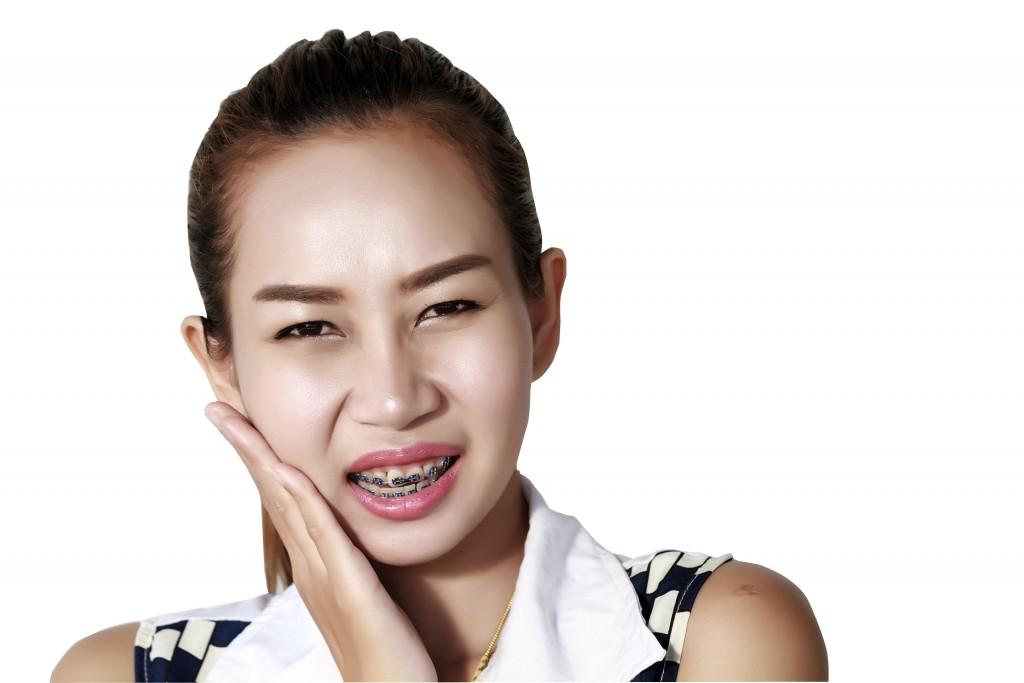 آیا ارتودنسى درد دارد؟
