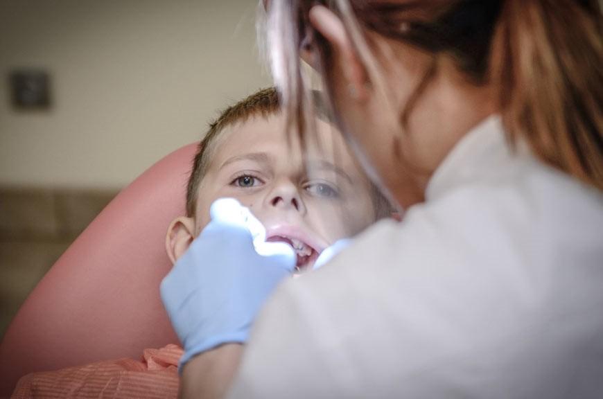 عصبکشی دندان کودکان